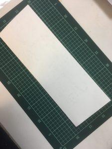 紙を半分に折る